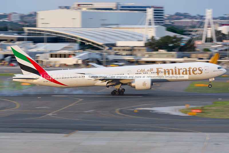 Emirates B777 lands in Sydney.