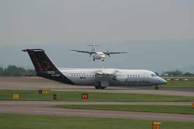 OO-DWC Brussels Airlines British Aerospace Avro RJ100 cn E3322 @ Manchester Airport / EGCC 01.08.14