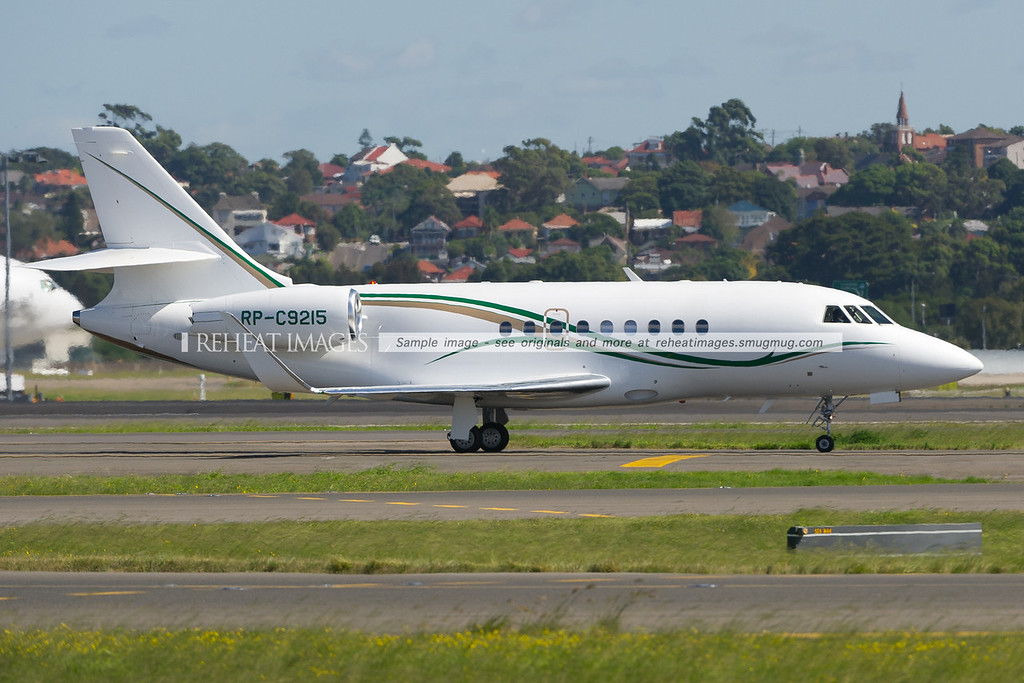 Philippine registered Dassault Falcon 2000 RP-C9215 arrives in Sydney.
