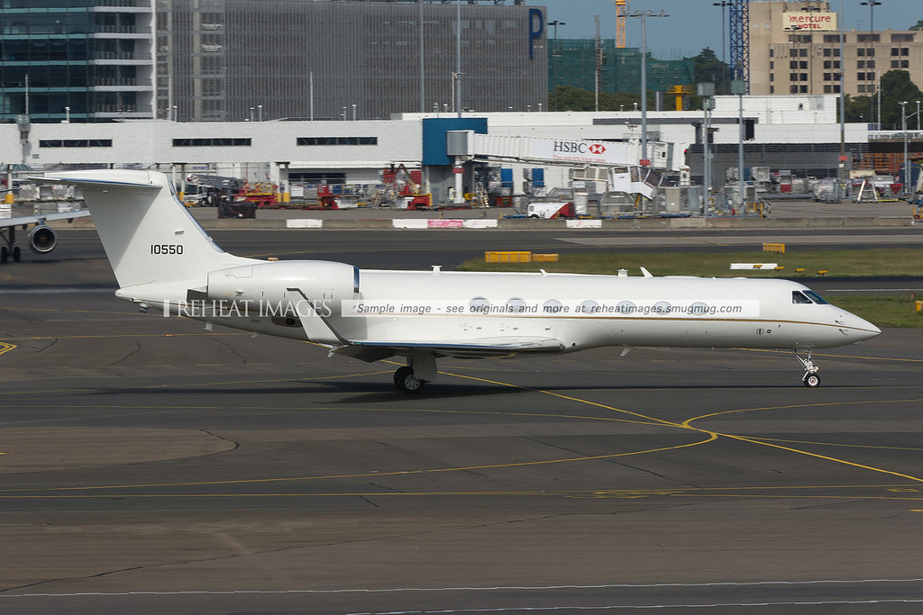 A beautiful Gulfstream G550 registered as 10550 heads for runway 16R at Sydney airport. The plane belongs to the United States Air Force.