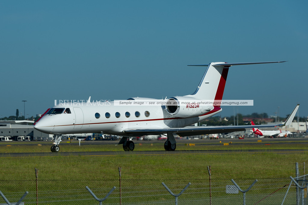 N1925M Gulfstream G-IV SP at Sydney airport prior to leaving.