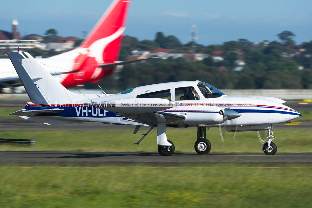 A Cessna 310 arrives at Sydney airport.