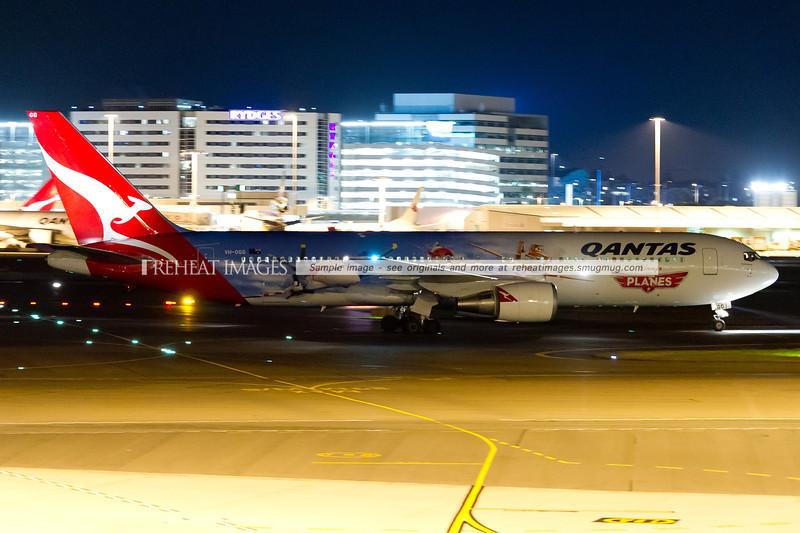 Qantas B767-338/ER VH-OGG - Disney Planes