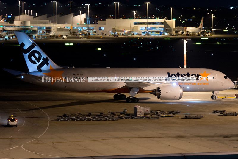 Jetstar Boeing 787-8 Dreamliner in Sydney - first visit