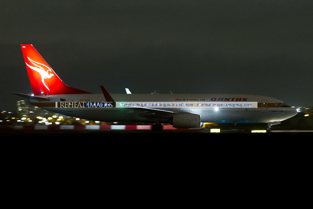 "Qantas Boeing 737-838 in retro colours ""James Strong"""