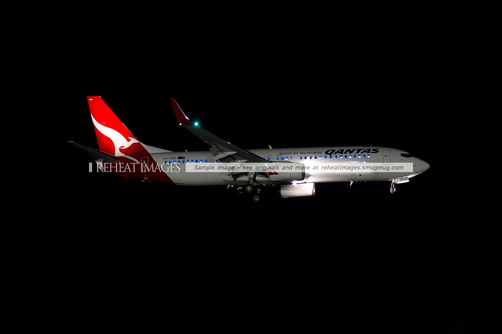 Qantas B737-838 VH-VZU on approach to land at Sydney airport. The plane looks normal by day, but by night the differences are especially graphic. The Boeing Sky Interior with its distinctive lighting is most obvious in this picture.