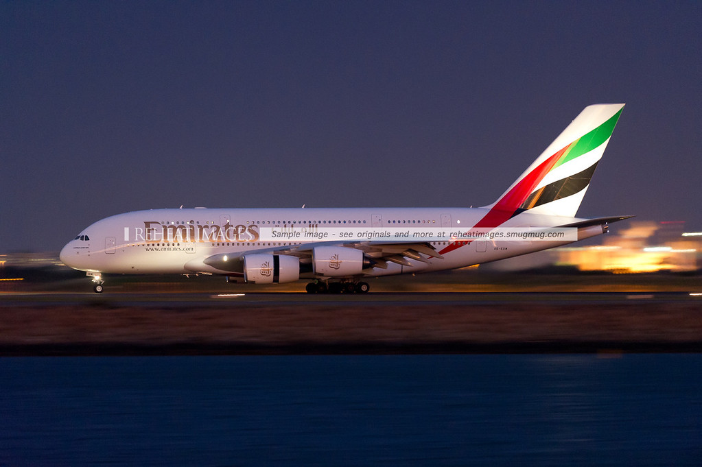 Emirates A380 A6-EDM arrives in Sydney airport in late evening. ISO10,000 was used here for this image.