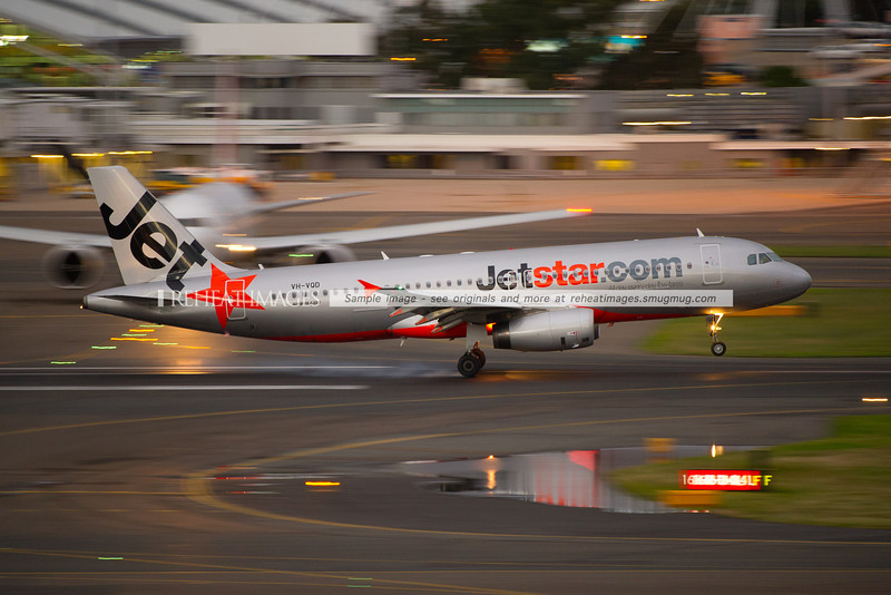 Jetstar A320-200 lands at Sydney airport.