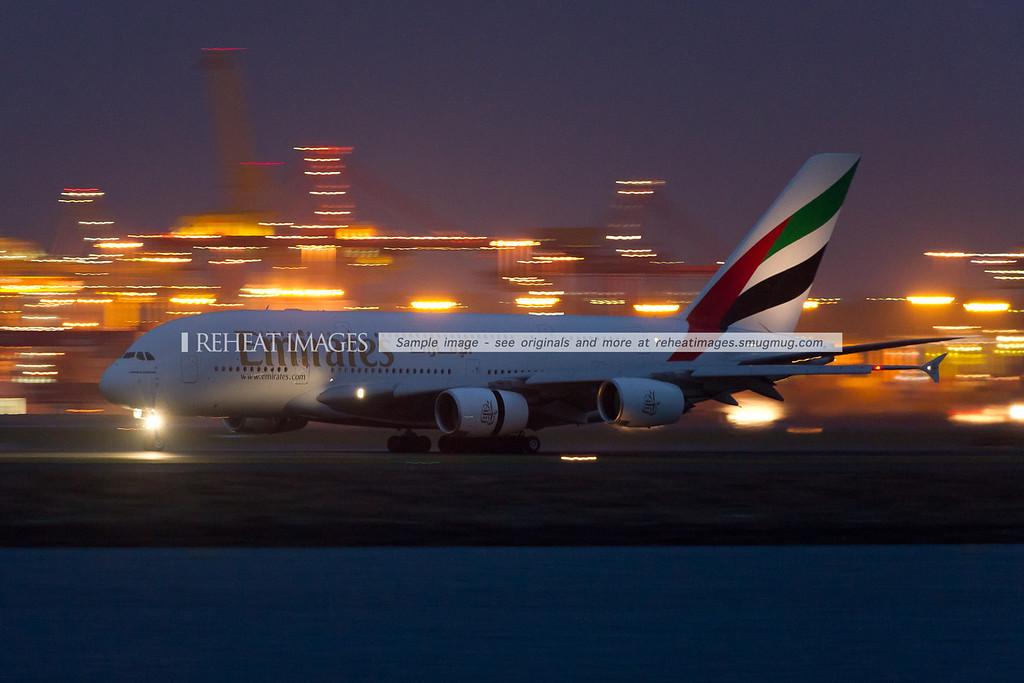 Emirates Airbus A380-861 A6-EDP lands at Sydney airport.