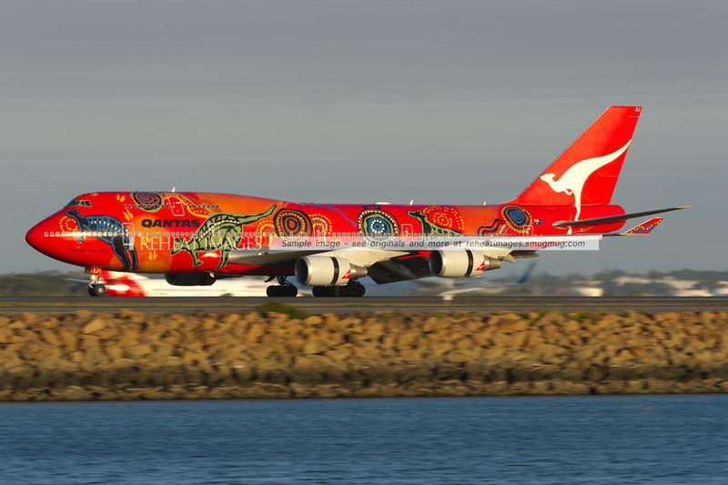 Qantas' special coloured B747-438/ER 'Wunala Dreaming' arrives back in Sydney.