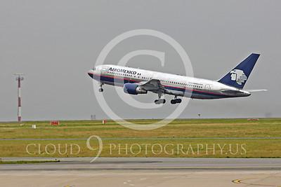 B767 00132 Boeing 767 AeroMexico XA-TOJ by Peter J Mancus