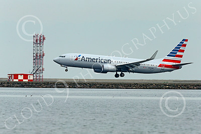 Boeing 737 00199 An American Airline Boeing 737 N952NN on final approach to land at SFO 12-2014 airliner picture by Peter J Mancus