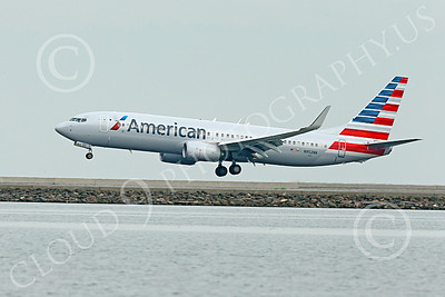 Boeing 737 00198 An American Airline Boeing 737 N952NN on final approach to land at SFO 12-2014 airliner picture by Peter J Mancus