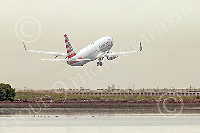 Boeing 737 00205 An American Airline Boeing 737 takes off at SFO 12-2014 airliner picture by Peter J Mancus