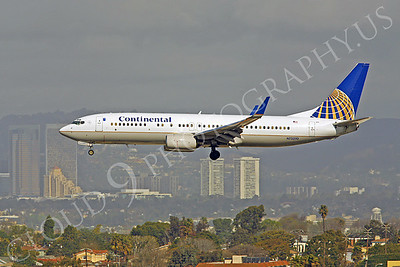 B737 00184 Boeing 737 Continental Airline N73270 by Peter J Mancus
