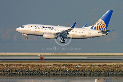 BOEING 737 00100 BOEING 737 CONTINENTAL AIRLINES N16703 by Peter J Mancus