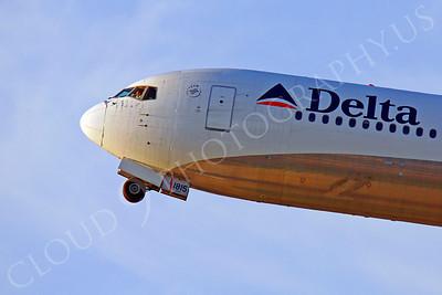CUNALPJ 00104 Boeing 767 Delta by Peter J Mancus