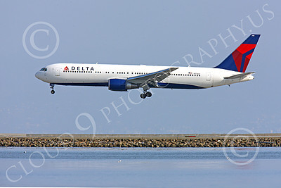 B767 00398 Left side profile of Delta Airline Boeing 767, N174DZ, on final to land at SFO, airliner picture, by Peter J Mancus
