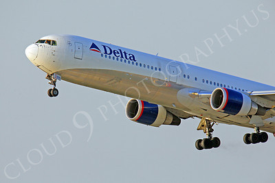 CUNALPJ 00118 Boeing 767 Delta Airlines by Peter J Mancus