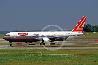 B767 00013 Boeing 767 Lauda OE-LAS June 1997 by Peter J Mancus