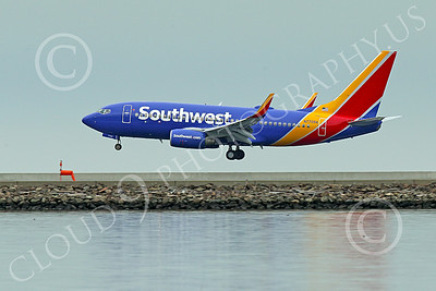 Boeing 737 00186 A Southwest Airline Boeing 737 N7709A  on final approach to land at SFO 11-2014 airliner picture by Peter J Mancus