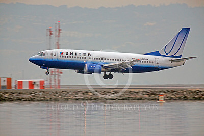 B737 00248 Boeing 737 United N372UA by Peter J Mancus