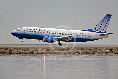 B737 00446 Boeing 737 United N372UA by Peter J Mancus