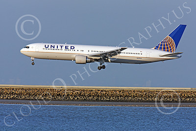 B767 00492 A perfect left side profile of United Airline Boeing 767, N675UA, on final approach at SFO, airliner picture, by Peter J Mancus