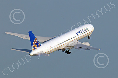 B767 00052 United Airlines Boeing 767 N675UA rotates its under-carriage after taking off from SFO, by Peter J Mancus