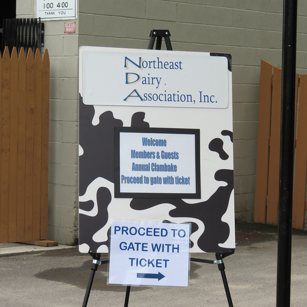 Welcome to the 2013 Dairy Industry Clambake.  Over 850 dairy industry representatives enjoyed a day of golf, eating and networking in Syracuse NY at Hinerwadel's Grove.  Thank you very much to all members and guests for your support of our association and we'll see you again in 2014!