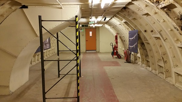 We can start to see the classic tube tunnel shape we saw in Down Street tube station.