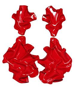 Clara Fina www.clarafina.se  Örhängen i polymerlera och är handgjorda Metalldelar i nickelfritt stål.