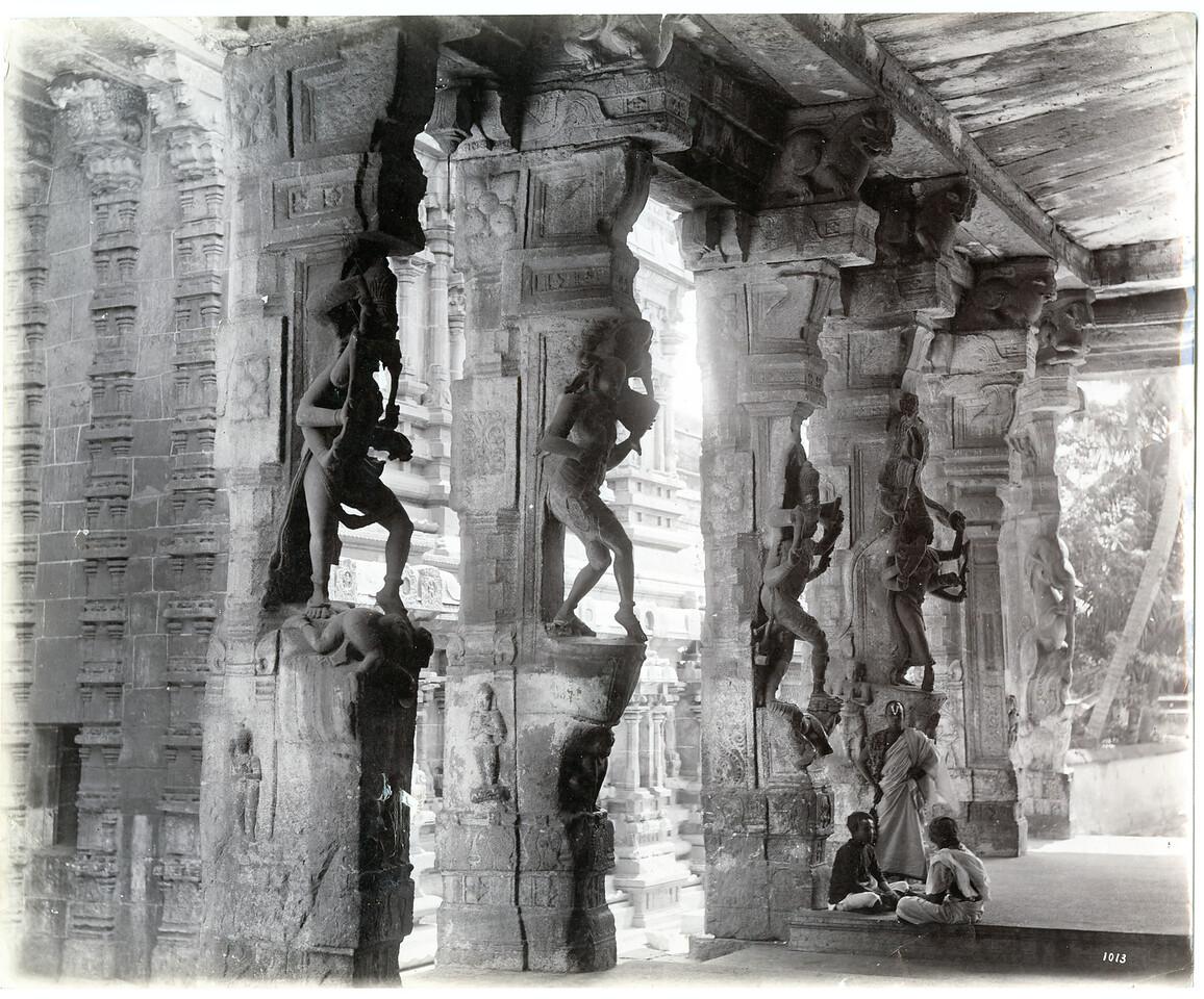 Madura One Thousand Pillars Frith