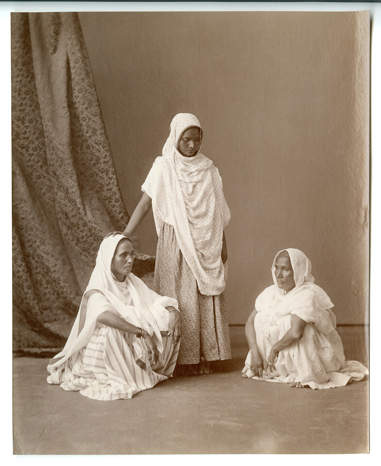 3 Generations of Ayah's