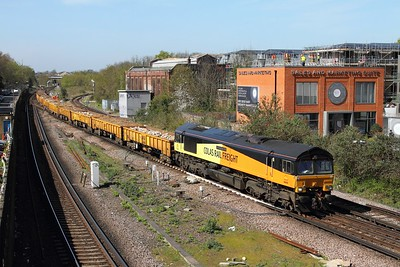 66850 on the 6Y48 Eastleigh to Hoo at Twickenham on the 20th April 2016