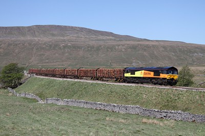 66845 on the 6Z37 Ribblehead to Chirk logs at Ribblehead on the 2nd May 2011