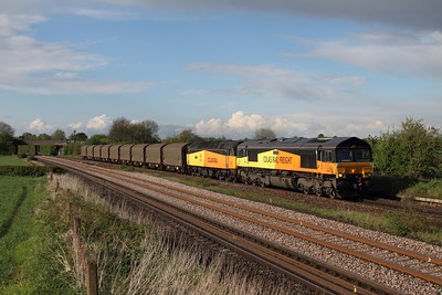 66849 leads failed 47727 on 6Z08 Grantham to Washwood Heath steel at Thurmaston north of Leicester on the 11th May 2013  Unfortunately 47727 failed last night whilst working the 6M08 from Boston