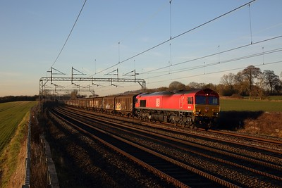 66041 on the 6O71 1506 Daventry to Dollands Moor at Cow Roast on the 14th February 2019