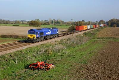 66047 working 4M79 0820 Felixstowe South to East Midlands Gateway at Kelvedon on 7 November 2020  DB66, GEML, Maritime
