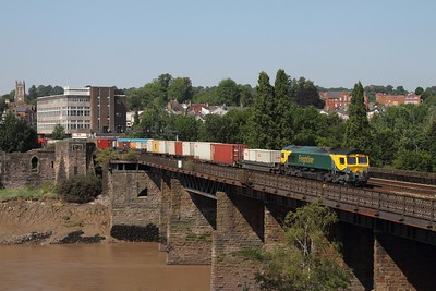 66504 hauls the 4O51 1058 Cardiff Wentloog (now retimed to work an hour later) to Southampton freightliner at Newport on the 25th July 2014