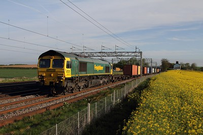 66505 on the 4L41 Crewe Basford Hall to Felixstowe at Grendon on the 13th May 2015
