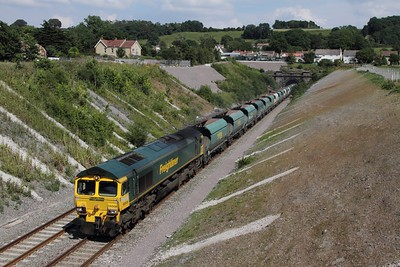 66508 hauls the 6V33 Neasden to Pengam at Chipping Sodbury on the 26th July 2014