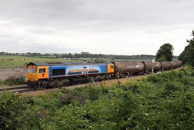 66709 on the 6Z01 Cardiff Docks to Peterborough oil tanks at Thornwell near Chepstow on the 8th August 2012