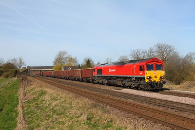 66001 on the 6G80 0925 Belmot yard to Immingham Hargreaves at Melton Ross on the 2nd April 2014 - class 66 on MEAs now a rare sight