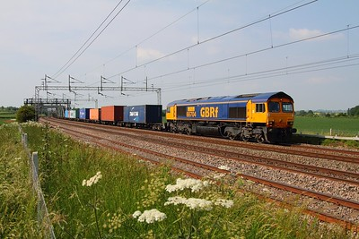 66704 4L18 Trafford Park to Felixstowe at Grendon on the 19th June 2013