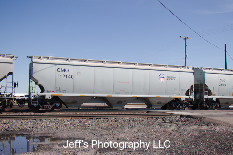 Union Pacific 3-Bay 5204 cu. ft. Covered Hopper No. 112140