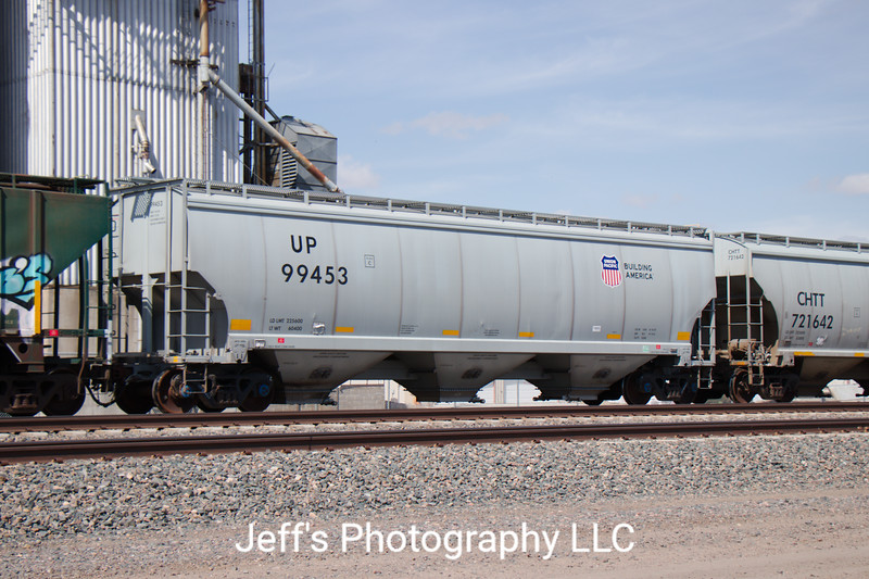 Union Pacific 3-Bay FCA 5200 cu. ft. Covered Hopper No. 99453