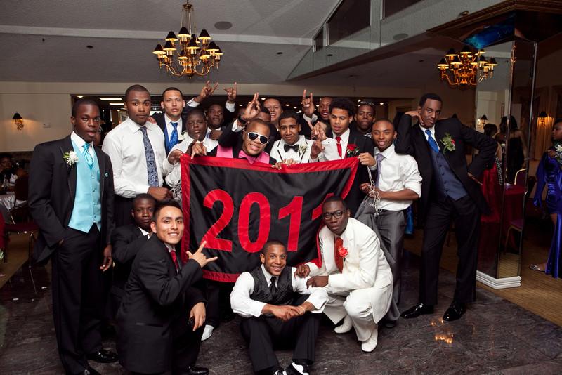 Prom2011-106
