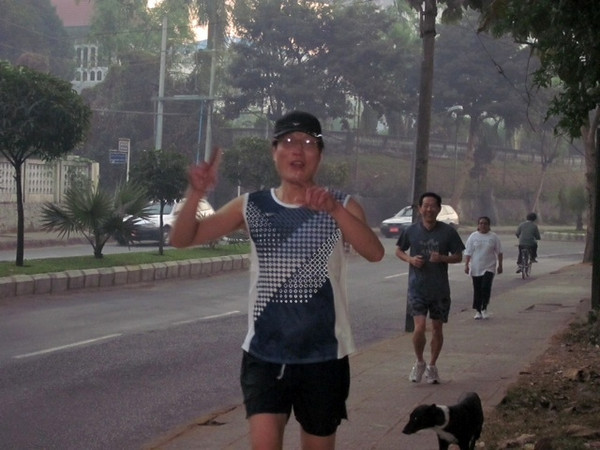 mynn htyn<br /> the winner of 82ers' marathon 2014 <br /> yangon