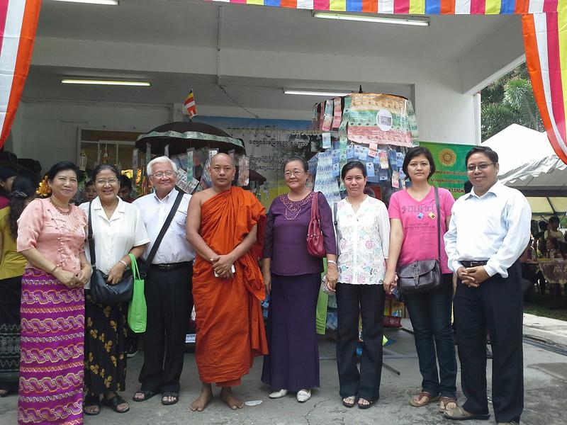 Sayagyi U Win Maw (Pharmacology) and Sayama Daw Mi Mi Sein (Pathology) at Ka Ti Na Ahlu in Yadanar Rama temple, Kuala Lumpur Nov 2013<br /> <br /> photo credit: silay khaing